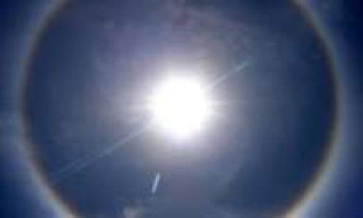 Un Fenómeno óptico frecuente y llamativo,  llamado halo solar